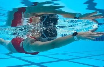 pulsometro garmin swim 2